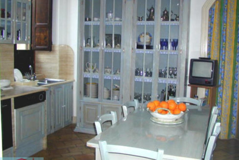 Villa_Cucina_Forno_Tavoòa_Credenza3